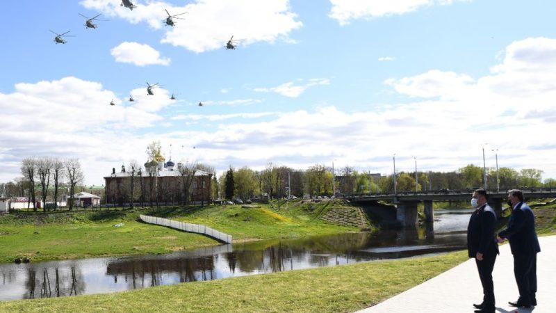 В День Победы  Игорь Руденя возложил цветы к стеле «Город воинской славы» в Твери