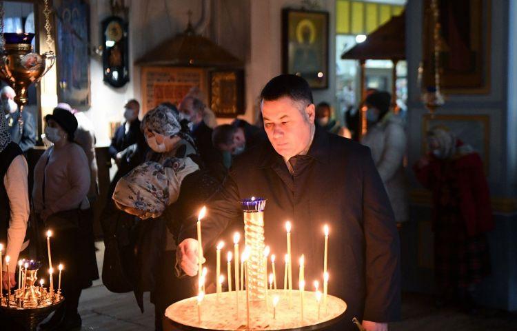 В храмах Тверской области проходят праздничные богослужения в честь Благовещения Пресвятой Богородицы