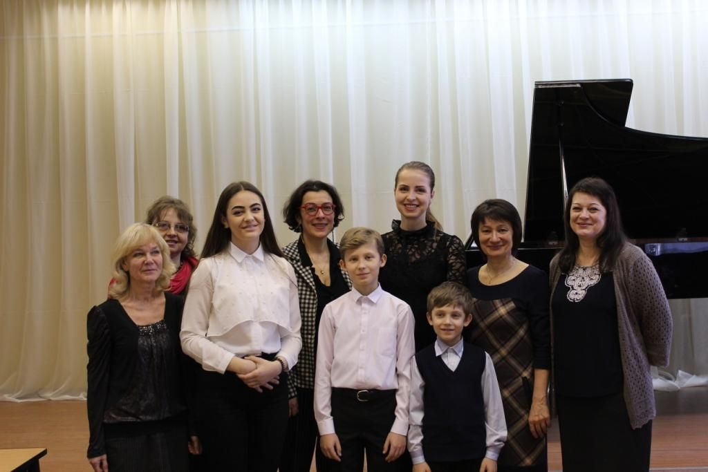 Master-klassy-E.-Nemirovich-Danchenko-03.04.2019-Lihoslavl-Tverskoj-oblasti-.jpg